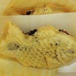 サザエ食品 - 皮が超薄くてパリパリ、それでいて、お餅のような もっちり感が最後に感じられます。