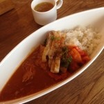 フレンチ食堂ぶどう - 特製ぶどうのカレー+鶏の炭火焼、ラタトゥイユ