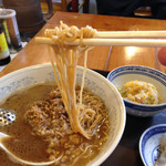 中国ラーメン揚州商人 - 細麺です