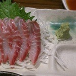 駒八 - 本日の刺身はイサキ(100円)