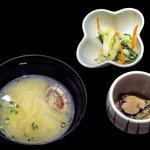 38778693 - 味噌汁・小鉢・漬物(海鮮丼セット)