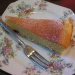 NINICAFE - ベイクドチーズケーキ