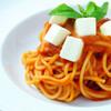 トマトとバジルとモツァレラチーズのパスタ