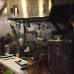塩つけ麺 灯花 - 厨房