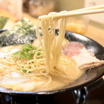 福島壱麺 - 豚骨の鈴木の細麺 '15 5月中旬