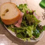 トラットリア・ダ・フェリーチェ - サラダ、パン
