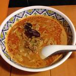中国ラーメン揚州商人 - 激辛タンタン麺 910円