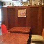 """サン マルタン - 神楽坂""""Bar a vin. Brasserie Saint Martin""""店内テーブル席2010.05"""