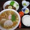 やまね食堂 - 料理写真:ラーメン定食¥700
