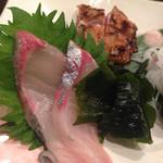 38982360 - シマアジ,阿波尾鶏のモモ肉タタキ