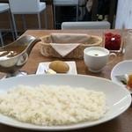欧風カレー 小夢 - 料理写真:ビーフカレー中辛のカレーセット800円です