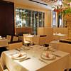 レストラン ラ・カンサトゥール - 内観写真:ラグジュアリーな雰囲気です