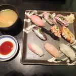 勇喜寿司 - 料理写真:特選地魚にぎり