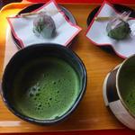 伊根の舟屋 雅 - 幻の小豆「薦池大納言」を用いた和菓子とお抹茶