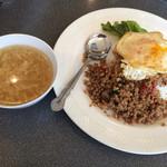 シーホース - 豚そぼろご飯、玉子スープ