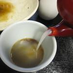 藤二郎 - 蕎麦湯はかなりの粘度が添加されている