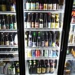 伊勢屋鈴木商店 - 世界各国のビールあります