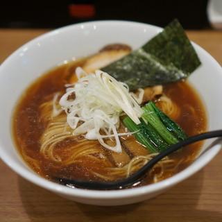はちどり - 料理写真:丸鶏ラーメン780円