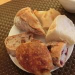 キッチン・キャミー - 料理写真:この日は「パンの食べ放題バイキング」焼き立てパン、5種類全部頂いちゃおう~♪