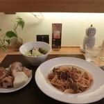 キッチン・キャミー - 料理写真:ランチで1番人気の「Bセット、1,000円」これに飲み物が付く。内税。