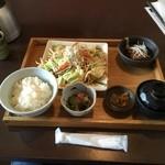 早川 - 日替わりランチ(角煮&野菜炒め)
