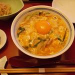 鳥彌三 あざみ - 親子丼