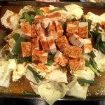 とりよし - 料理写真:ホルモン鉄板焼き¥1.000