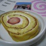 ふくやEMAIR - イタリアンロール苺巻き1830円