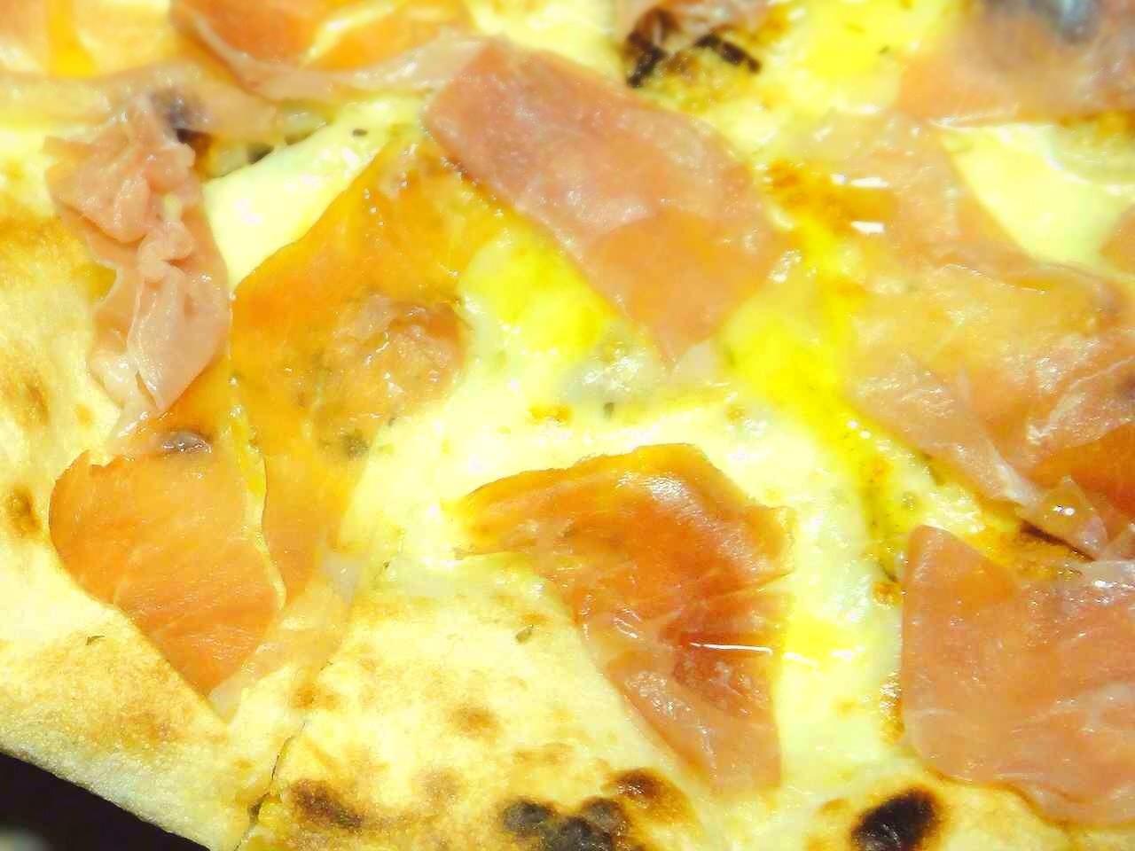 イタリア・ナポリ直輸入の食材で作る真のナポリピッツァ宅配専門店 PIZZA PAZZA