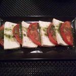 39200445 - 塩豆腐とトマトのカプレーゼ風