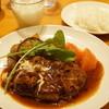キッチン Oh!Way - 料理写真:Oh!Way風牛すじシチューかけハンバーグ(1400円・ライスつき)