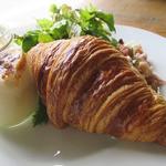 コマザワ パーク カフェ - ブレックファーストプレート(700円)は好みのオプションを選べます。今回はエッグスラット(+200円)とクロワッサン(+100円)をチョイス。