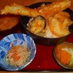四季のごちそう さかずき - 穴子1本野菜天丼750円