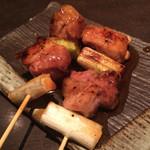 五十棲 - 朝引き京赤地鶏のもも肉を使ったネギマ(450円)