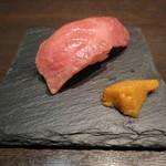 鉄板焼 grow - エイジングビーフ千屋牛炙り寿司
