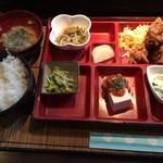 和食処 まる - 日替り弁当(他コーヒー付)750円