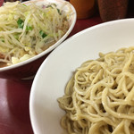 ラーメン二郎 - つけ麺でこの麺の美味しさを堪能する。