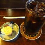 茶豆 - セットのアイスコーヒーです。