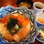 嵐丼 - 海鮮丼