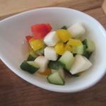 レジュベ - 味噌味ラタトゥユのせ玄米ごはん、きのことジャガイモ煮、豆もやしと青菜