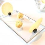 レストラン エテルニテ - アミューズ コンテチーズのケーキとチュイル '15 5月上旬