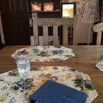 キッサ クローバー - テーブル