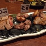 甘太郎 - 松阪豚のトンテキ食べ比べ。