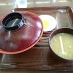 須川高原温泉 - みそ汁と 漬物付きです