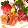 居酒屋 季助 - 料理写真:赤貝、マグロ中トロ、初ガツオ、アジ刺身。どれも鮮度抜群!