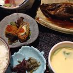 39381451 - 浜舟定食税込1000円♤ボリュームあり魚美味い