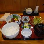 食と肴うおもと - 刺身定食980円