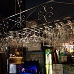 博物館 カフェ アンド バー うっふ  - 磨かれたグラスはBarの証し