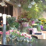Nicolai Bergmann NOMU - 花屋部分の店内