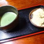 峠の茶屋 一軒屋 - わらび餅抹茶セット
